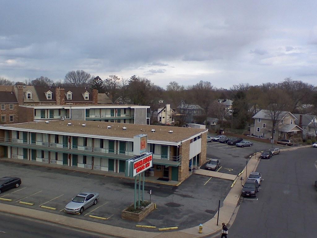 Highlander Motor Inn