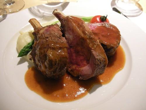 肉料理(羊、3ピースも!)