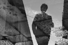 (03)Down By The Water (Donato Buccella / sibemolle) Tags: blackandwhite bw italy reflection water rain milano duomo pjharvey piazzadellascala canon400d tiricorditiricorditiricordi sibemolle misonoinnamoratodellepozzanghere daistampalefoto macomeparlaleparolesonoimportanti elaguzzantichefacevadalemaquantolaamo fotopozze