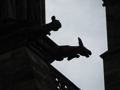 Gargouilles (molaire2) Tags: strasbourg gargouille anges cathedrale pilier