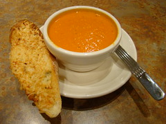 Creamy Tomato Soup w/ Crostini 053109
