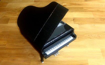 Piano aus Papier (Papercraft)