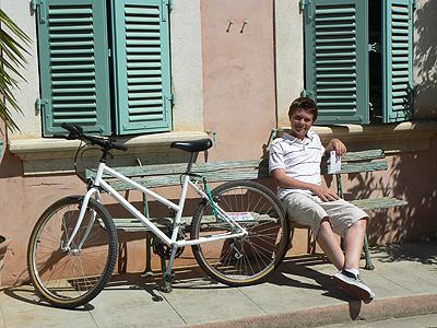 paul et vélo.jpg