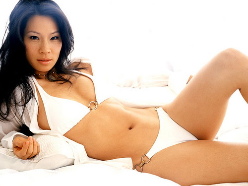 Actress Lucy Liu bikini photo