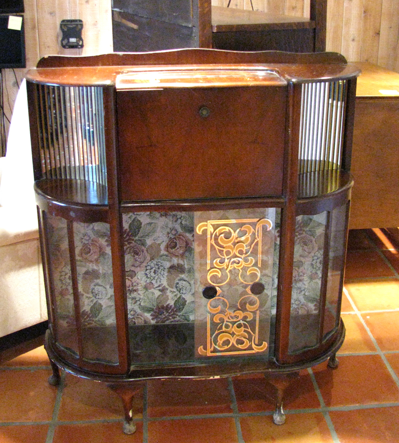 Furniture Stores That Sell Bars: Seaside Thrift Store: Vintage & Ecclectic Furniture: Fancy