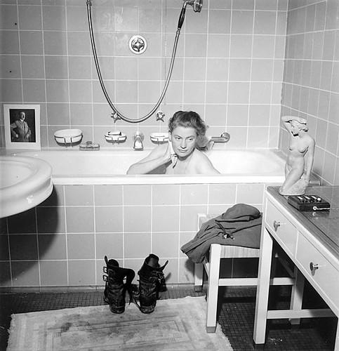 Lee Miller in Hitlers Bath