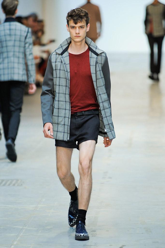 SS12 Milan Costume National Homme006_Douglas Neitzke(VOGUEcom)