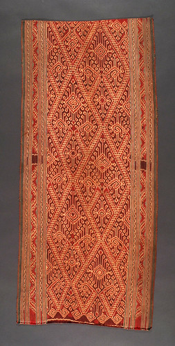 //Bidang//, Iban people. Sarawak 20th century, 48 x 107 cm. Nabau motif. From the Teo Family collection, Kuching. Photograph by D Dunlop.