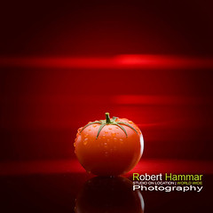 Tomato by Robert Hammar 03 (Robert Hammar Photography) Tags: tomato flash vegetable redbackground studiophotography productphotography tomat canoneos5d grnsak pocketwizard 70200mmisf28 canonspeedlite580exii blixtfotografering roberthammarphotography studiofotografering produktfotografering