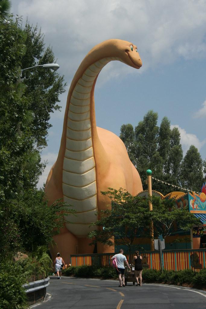 Bronto Entrance to Dinoland