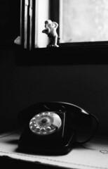 chiamami! (Maurizio Aresu) Tags: phone telefono finestra attesa ateismo angel sacroeprofano blackandwhite biancoenero beautyiseverywhere maurizioaresu blackwhite life