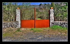 AROUND THE ETNA PARK  -  P4080519_7_8 (Felipe 1930) Tags: park red gate around etna hdr the blueribbonwinner bej flickrbronzeaward citrit ysplix filippo1930 etnapark everydayissunday coloreselettivohdr siciliainhdr