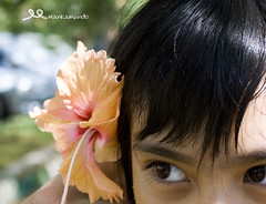 Budak Raya (Mankamundo PhotoArt) Tags: flower photography hibiscus johor familyday lightroom cs3 pasirgudang balqis efs1855mmis canon1000d mankamundo tanjungputerigolfresort