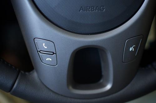 Kia Soul steering wheel controls