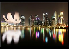 marina bay scenery (Kenny Teo (zoompict)) Tags: bridge canon hotel scenery fullerton eos1000d zoompict