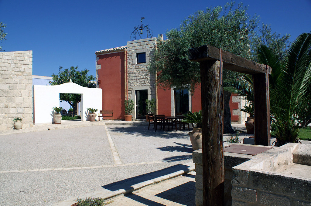 Sicily roundtrip staying in boutique hotels and playing golf for Best boutique hotels in italy