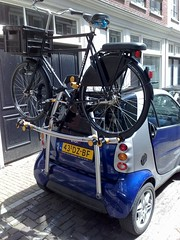 70cm workcycles transport on smart car (@WorkCycles) Tags: amsterdam bike bicycle big rack smartcar workcycles