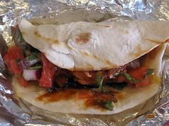 rolling bones bbq - beef taco