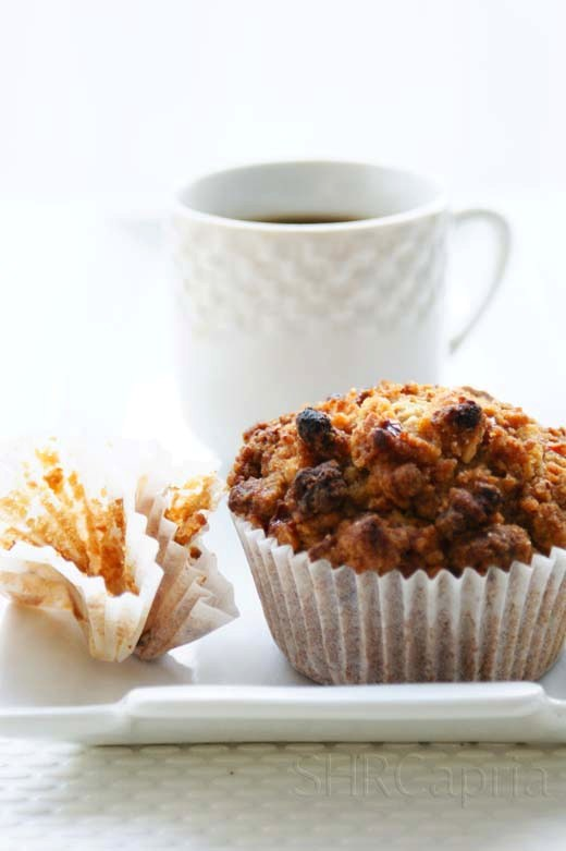 Very berry granola topping muffin