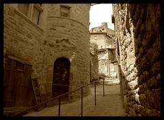 Séverac le Château. (Gérard Farenc) Tags: street france tower wall stairs tour village 12 rue mur château escalier aveyron midipyrénées séveraclechâteau