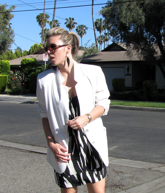black and white tribal dress+white blazer-4