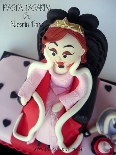 MOTHER QUEEN CAKE