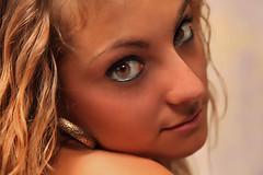 Valentina (il goldcat) Tags: girls portrait cute girl smile portraits canon nude nice eyes fine occhi sorriso ritratti ritratto handsom valentina nudo ragazze mout wonderfull goldcat canoniani