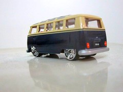 Slammed VW bus on DUBS (Jose Michael S. Herbosa) Tags: vw volkswagen philippines collection manila slammed diecast fastlane realtoy customvw