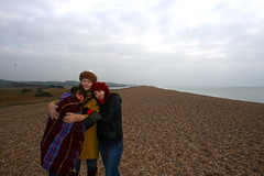 chesil beach: cold but awesome (squacco) Tags: beach coast near shingle hats freezing blanket dorset jurassic chesil rolled abbotsbury tombolo barrierbeach
