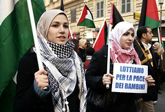 2-manifestanti-roma-17-01-08