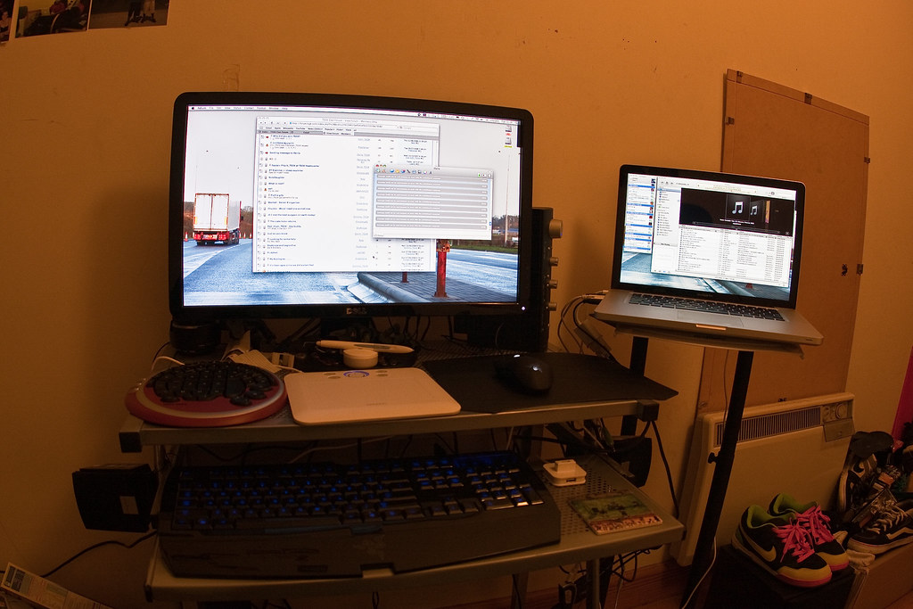 Dublin Setup/Work/Bumming desk