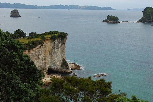 cathedral cove wide