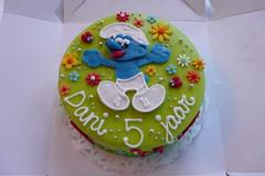 P1070945 (CAKE Amsterdam - Cakes by ZOBOT) Tags: birthday wedding party feest cakes cake utrecht verjaardag childrens marzipan smurf smurfs specialty fondant taart taarten smurfen bruidstaart sweetthings zoegottehrer