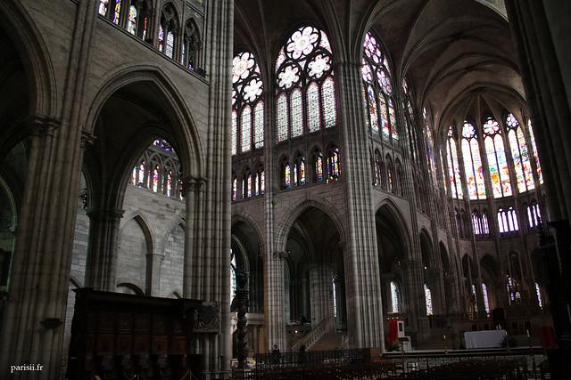 La finesse, la complexité et la hauteur de cette construction gothique impressionent