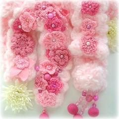 Sonho, cachecol de crochê (Lidia Luz) Tags: flower scarf handmade crochet flor lariat cachecol crochê lidialuz