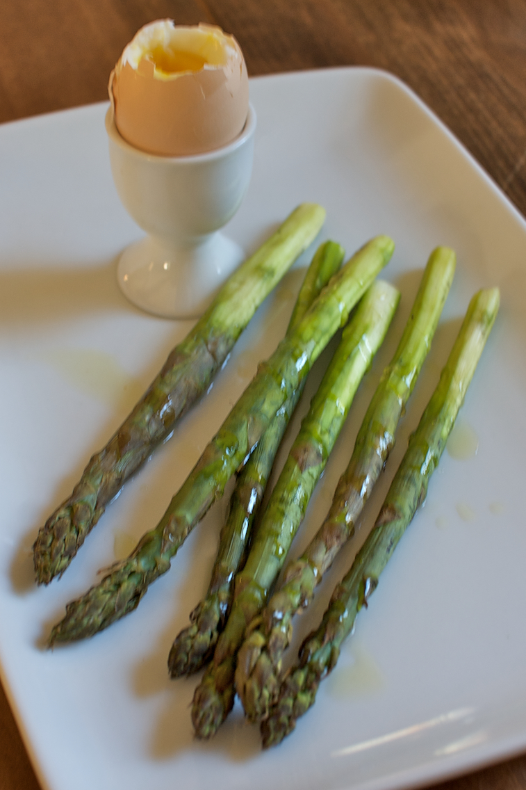 asparagus w/ soft boiled egg