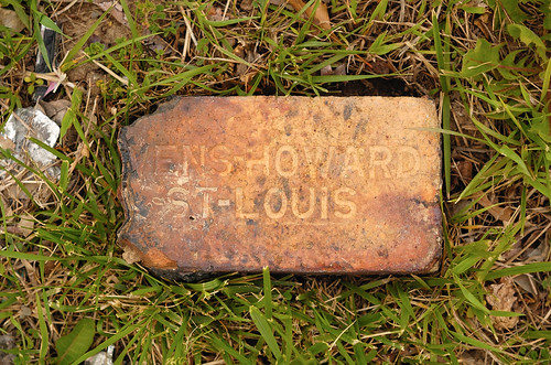*VENS-HOWARD brick, found on corner of Macklind Avenue and the River des Peres, in Saint Louis, Missouri, USA