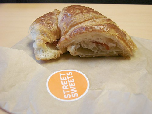 Street Sweets Croissant with Strawberry filling