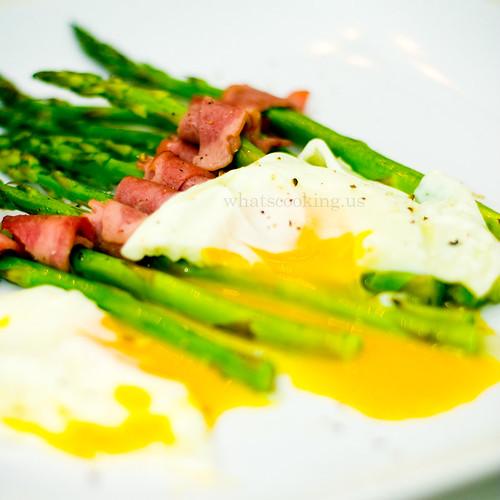 Asparagus breakfast