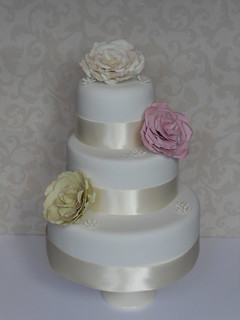 Roses cake by Cotton and Crumbs