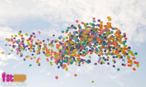 Got any? 1,300 balloons containing myths and secrets about a woman's body freed at Siloso