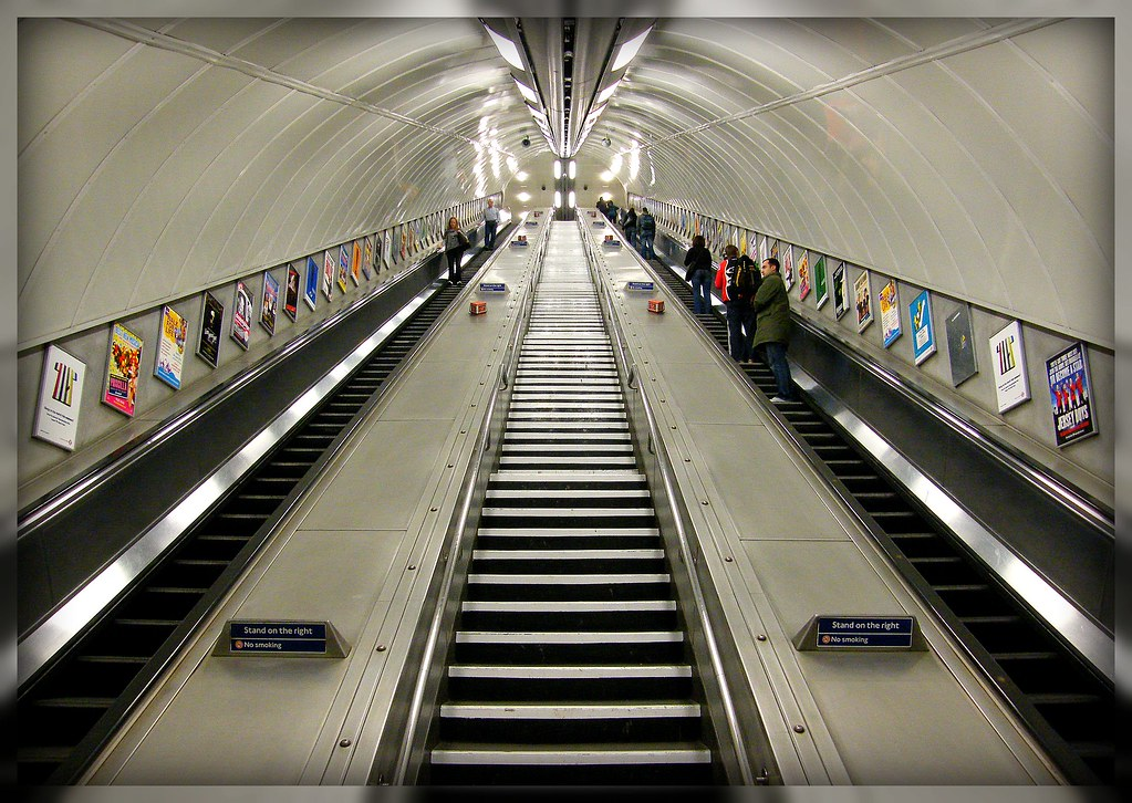 Our beautiful impressions from the London Hyde Park Corner ( Tube ) underground railway station, connects from all over the city incl. from Heathrow International Airport! Enjoy!:)
