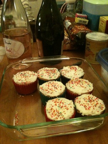 Prosecco and cupcakes