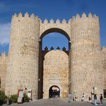 Avila: Muralla, Puerta de San Vicente