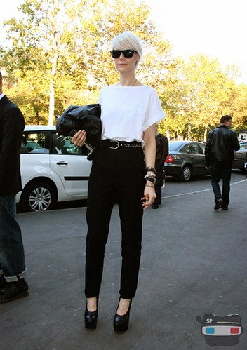 Pleated Black Trousers 3