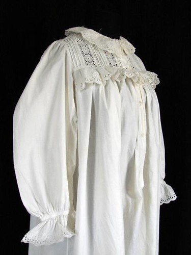 Victorian Frilly Eyelet Lace Nightgown