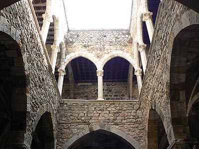 monastère fortifié 2.jpg