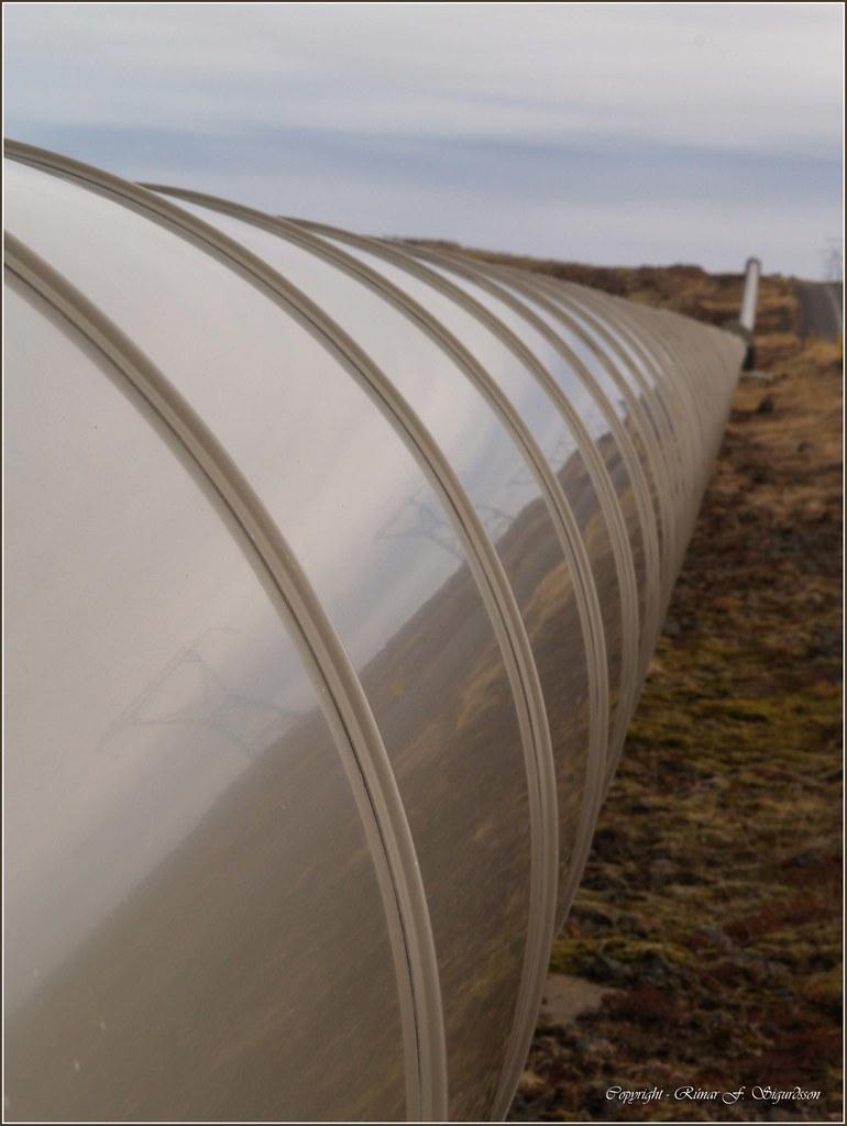 Pipelines transmitting geothermal water