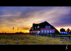 Hotel on Sylt HDR (schoebs) Tags: light sunset sky canon eos hotel sigma wideangle ambient 1020mm sylt hdr borders reetdach 40d schoebs
