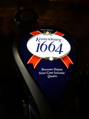 Kronenbourg 1664 (knightbefore_99) Tags: vancouver french kronenbourg stellas commercialdrive thedrive 1664 lager beer cerveza pivo sign cool awesome red white bleu